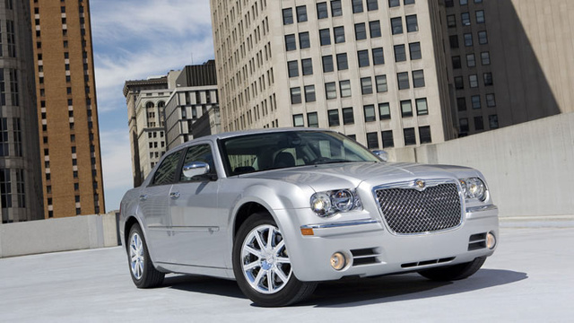 2010 Chrysler 300, Front Right Quarter View, exterior, manufacturer