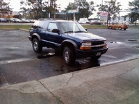 2001 Chevrolet Blazer 2 Dr LS 4WD SUV picture, exterior