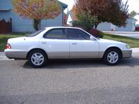 1995 Lexus ES 300, Passenger side view., exterior