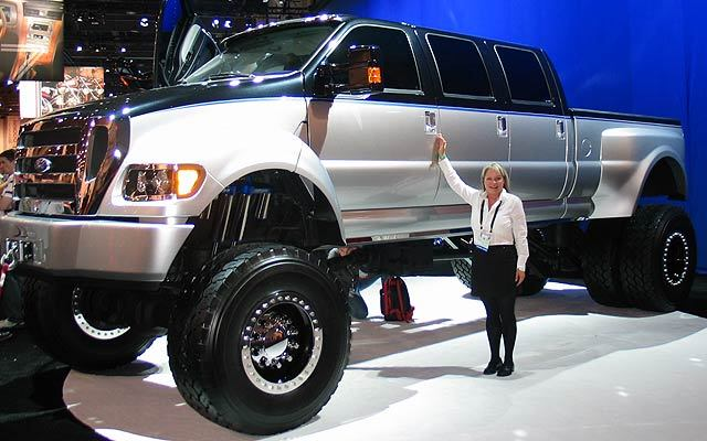 http://static.cargurus.com/images/site/2008/10/29/18/25/2008_ford_f-650-pic-50147.jpeg