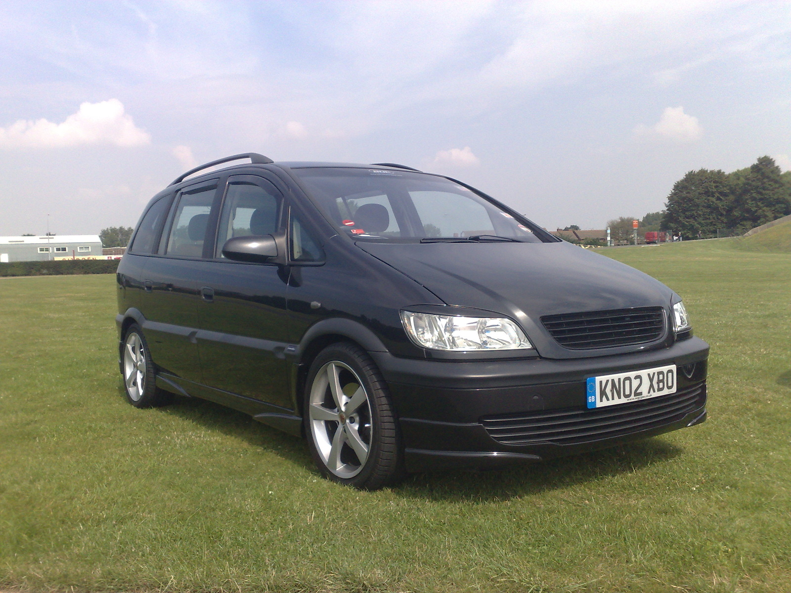 2002 vauxhall zafira exterior pictures cargurus. Black Bedroom Furniture Sets. Home Design Ideas