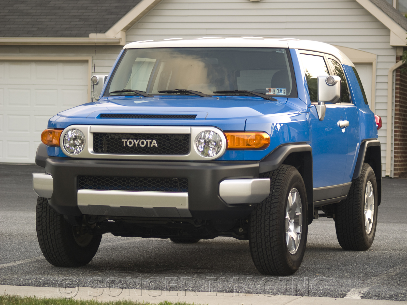 2007 toyota fj cruiser pictures cargurus. Black Bedroom Furniture Sets. Home Design Ideas