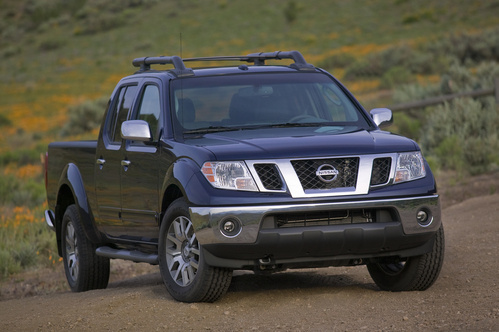 2009 Nissan Frontier, Front Right Quarter View, exterior, manufacturer, gallery_worthy