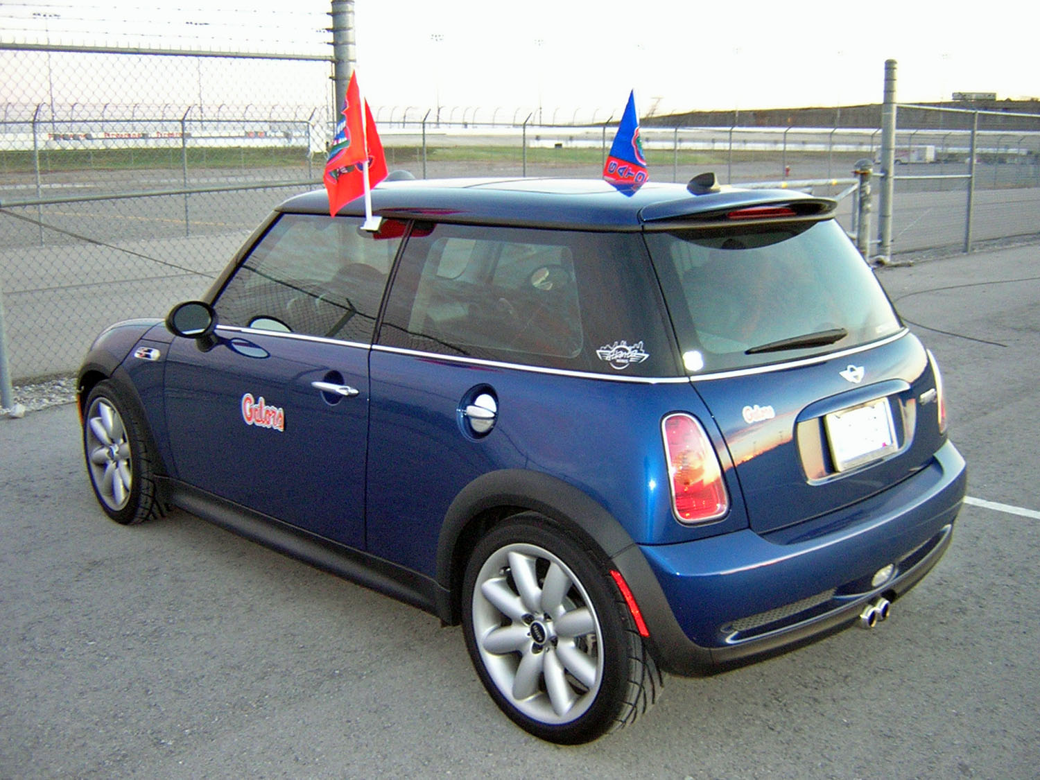 2004 mini cooper s related infomation specifications. Black Bedroom Furniture Sets. Home Design Ideas