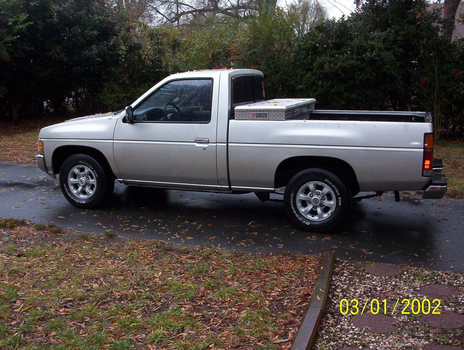 Picture of 1996 Nissan Truck