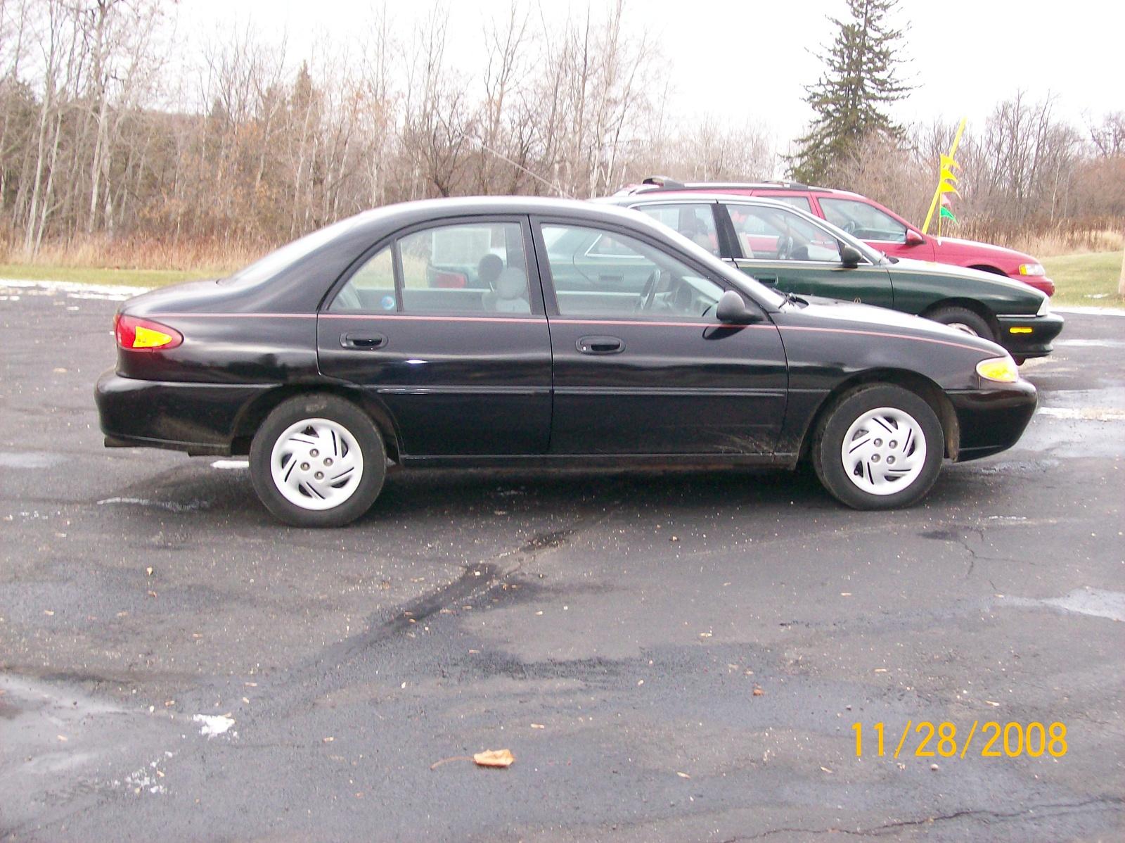 Cars t Used Ford Escort Dr LX Sedan t