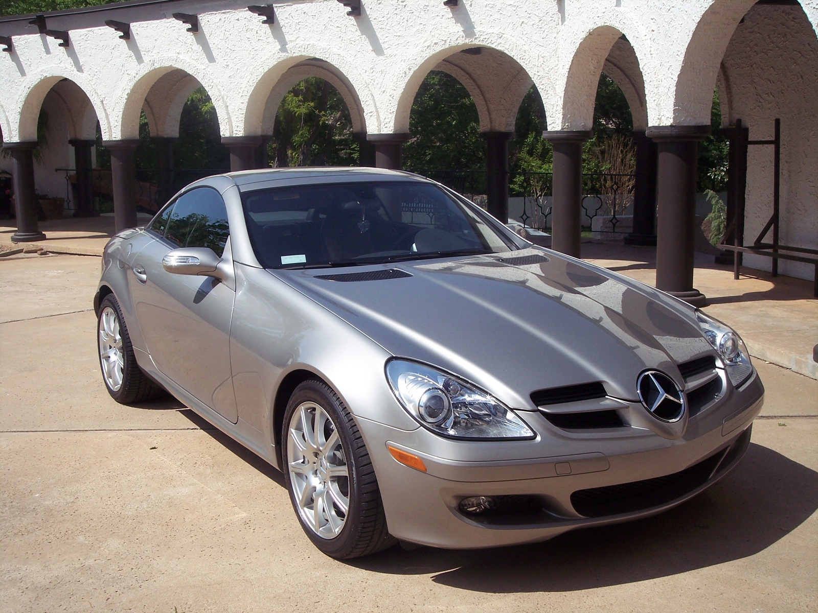 2005 Mercedes-Benz SLK350 2 Dr SLK350 Convertible picture