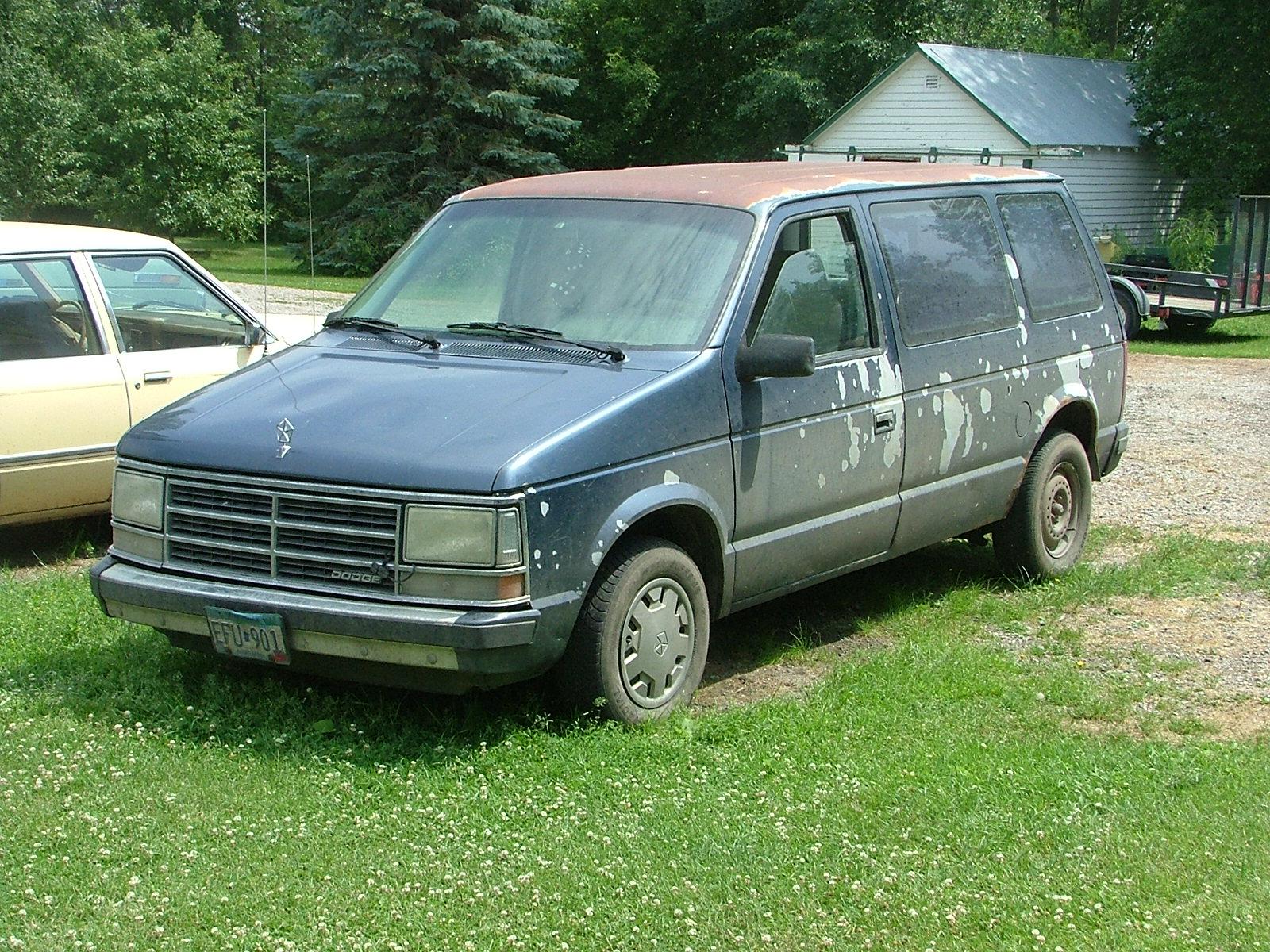 Picture of 1990 Dodge Caravan 3 Dr STD Passenger Van