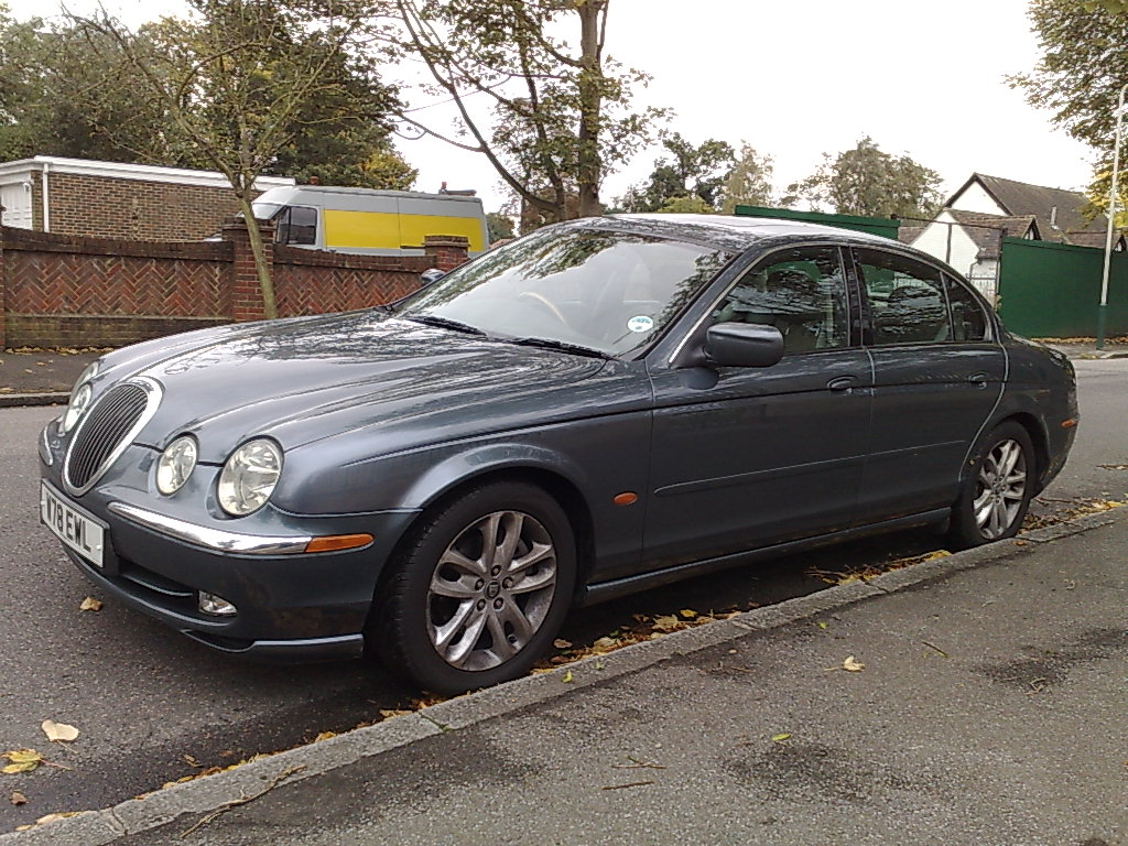 Nissan Pathfinder likewise  besides Main Qimg Cc Db D E A in addition  as well Pic X. on 2000 jaguar s type problems
