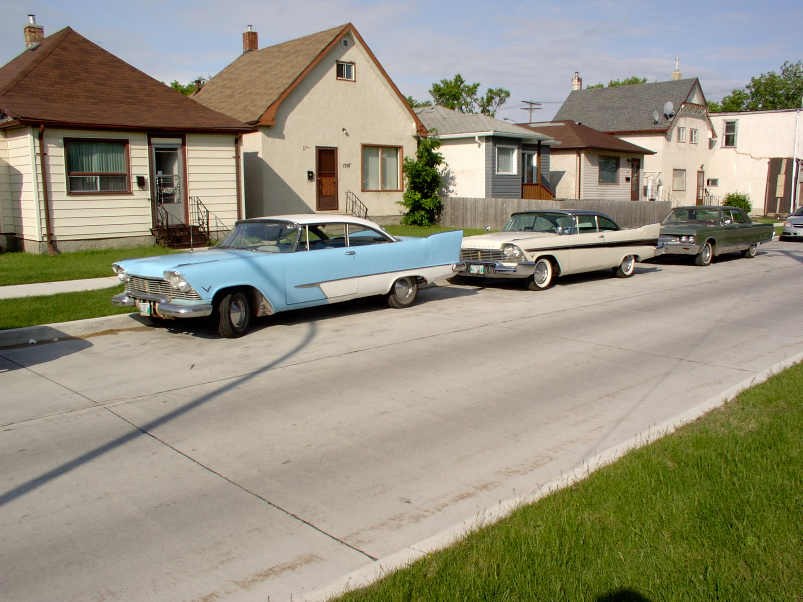 1957 Plymouth Belvedere, 57 Belvedere & Savoy on front street, exterior