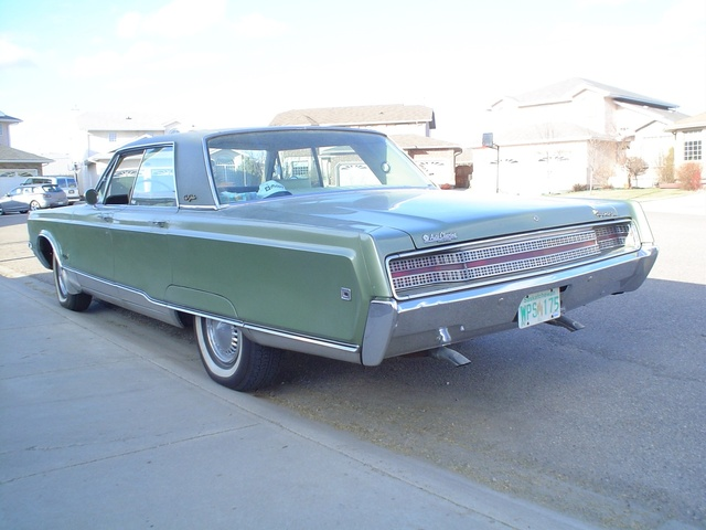 1968 Chrysler New Yorker, I drove this car home (eight hours) it was like driving an arm chair ... watching a big screen TV of the open road ... just love it!