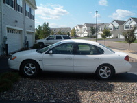 2000 Ford Taurus SES picture