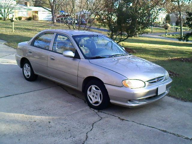 1998 Kia Sephia 4 Dr LS Sedan picture