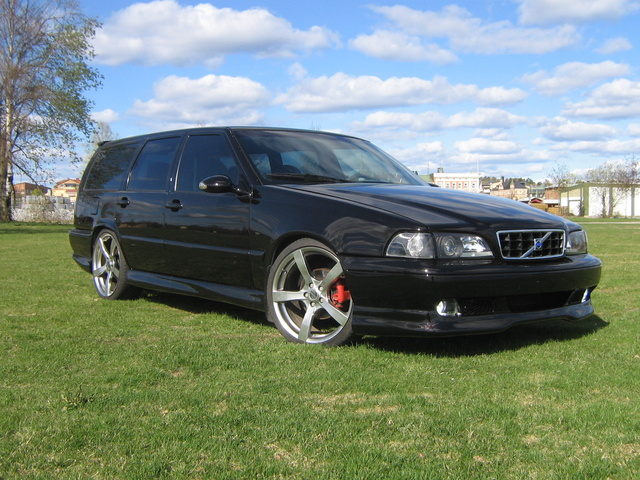 Picture of 1999 Volvo V70