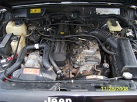 1993 Jeep Cherokee 4 Dr Sport 4WD SUV picture, engine