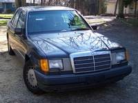 1993 Mercedes-Benz 300-Class 4 Dr 300D Turbodiesel Sedan picture, exterior