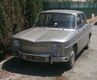 1965 Renault 8 Overview