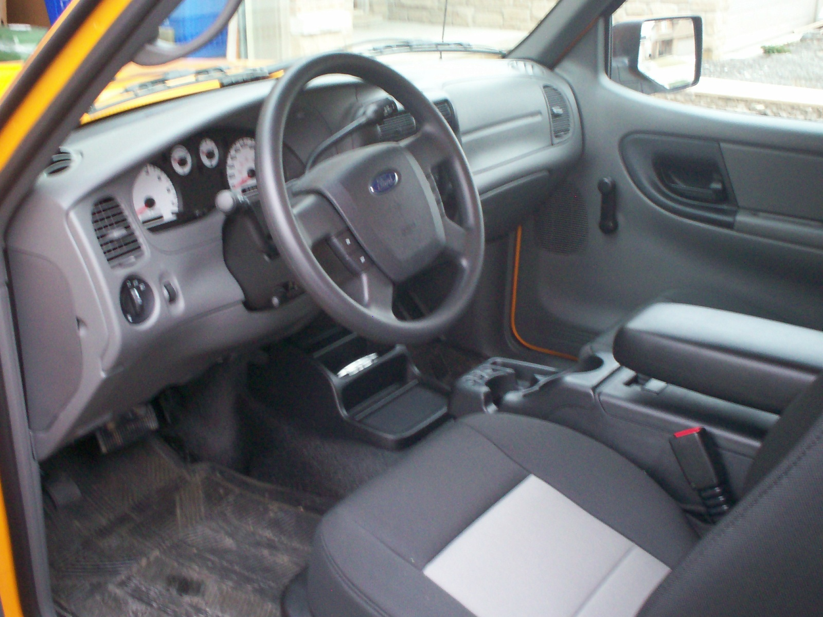 2009 Ford Ranger Interior Images & Pictures - Becuo
