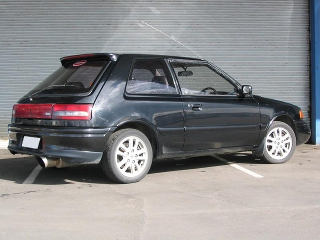 Picture of 1992 Mazda Familia