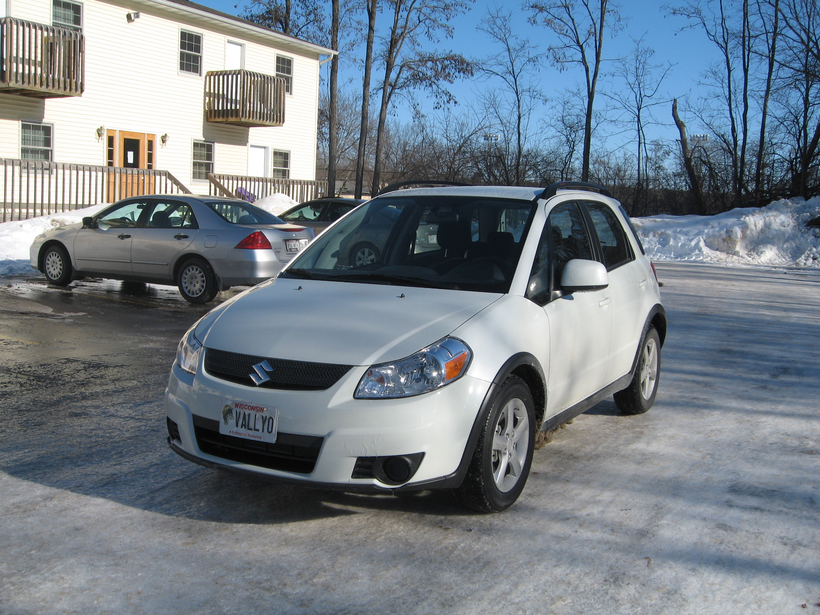2009 Suzuki SX4 Crossover Base AWD picture