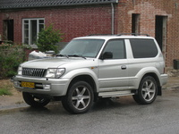 2002 Toyota Land Cruiser Overview