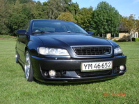 2001 Opel Omega Overview