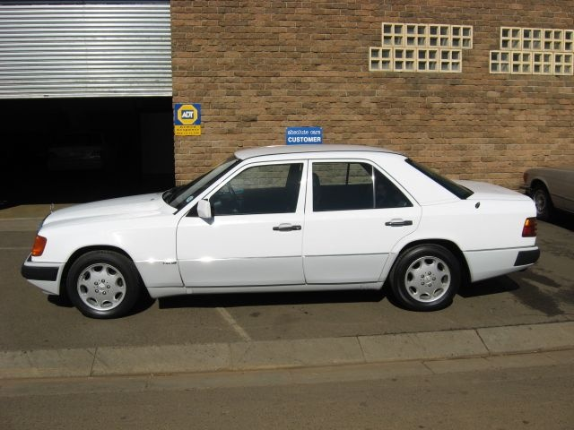 Picture of 1990 Mercedes-Benz 300-Class