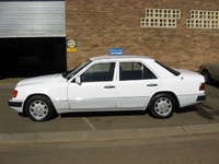 1990 Mercedes-Benz 300-Class Overview
