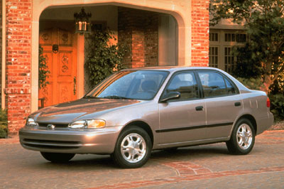 2002 Chevrolet Prizm 4 Dr LSi Sedan picture