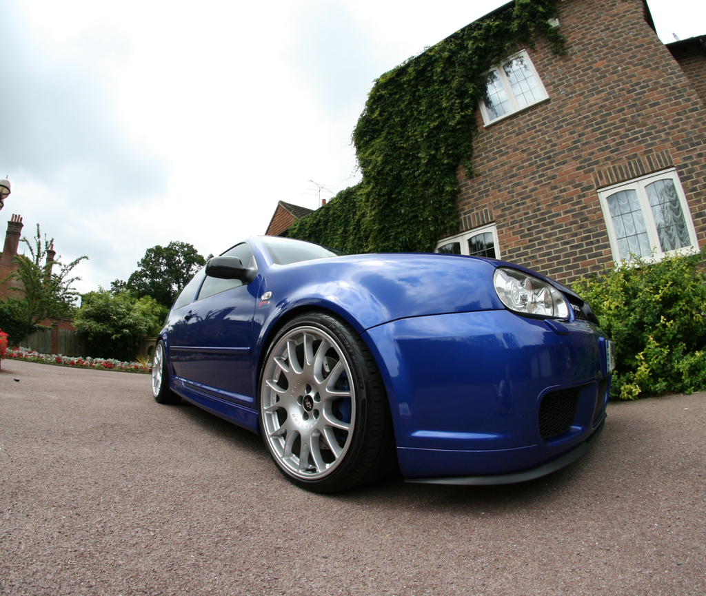 Picture of 2004 Volkswagen R32 2 Dr AWD Hatchback, exterior