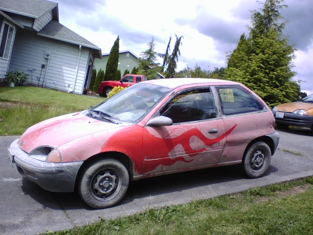 Picture of 1995 Geo Metro 2 Dr LSi Hatchback