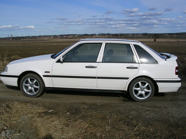 Picture of 1996 Volvo 440