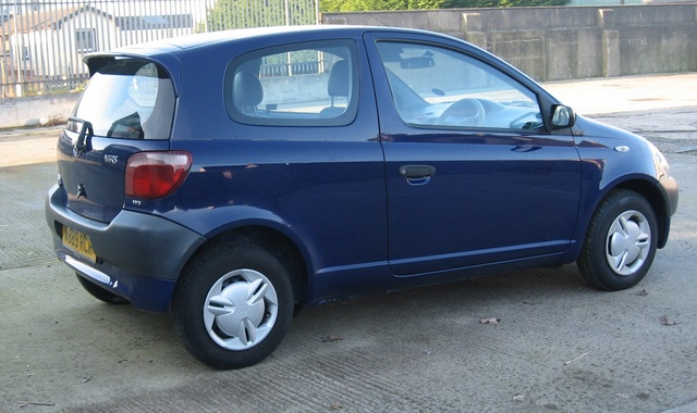 Picture of 2000 Toyota Yaris