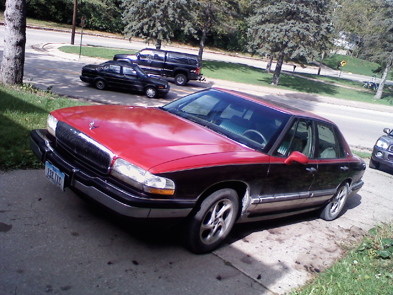 1994 Buick Park Avenue 4 Dr Ultra picture