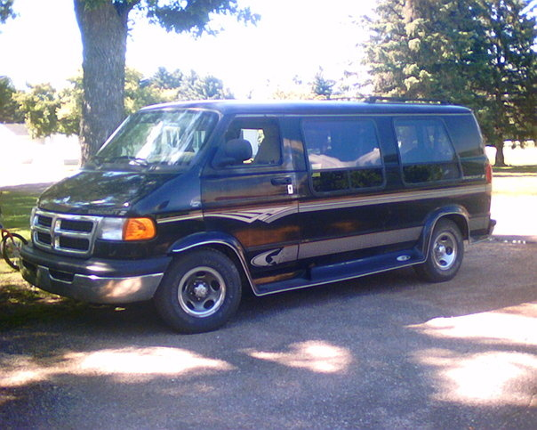 Car Gurus Bmw >> 1998 Dodge Ram Van - Overview - CarGurus