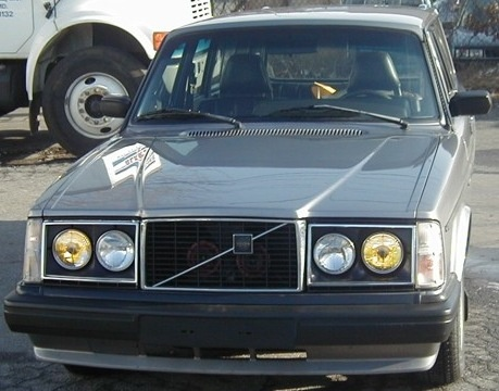 Picture of 1976 Volvo 245 DL
