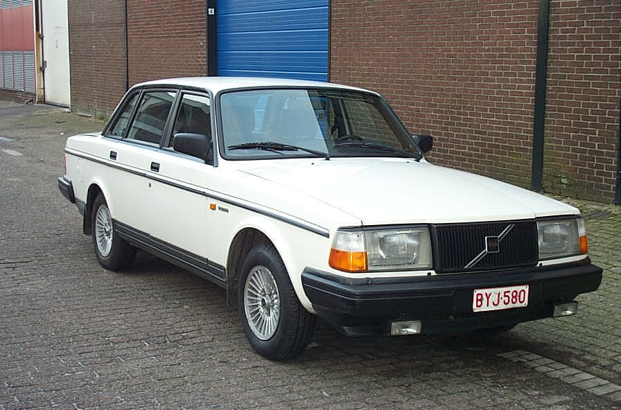1990 Volvo 240 4 Dr DL