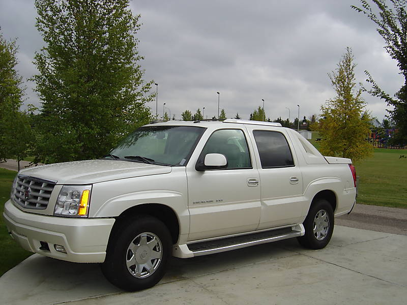 2004 Cadillac Escalade EXT AWD SB picture