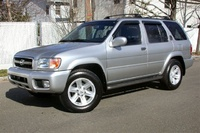 2004 Nissan Pathfinder Overview