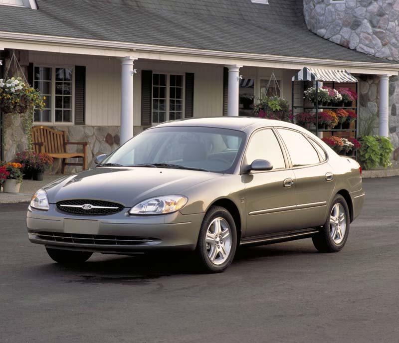 2015 Ford Taurus Se: 2002 Ford Taurus