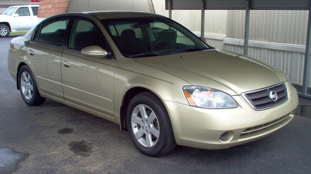 2003 Nissan Altima Overview
