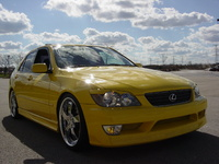2001 Lexus IS 300 Overview