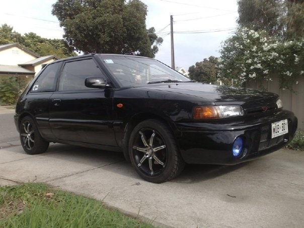 Picture of 1993 Mazda Familia