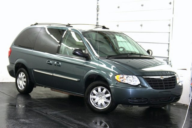 picture of 2003 chrysler town country lxi exterior. Cars Review. Best American Auto & Cars Review