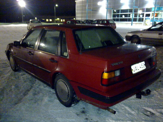 Picture of 1991 Volvo 460