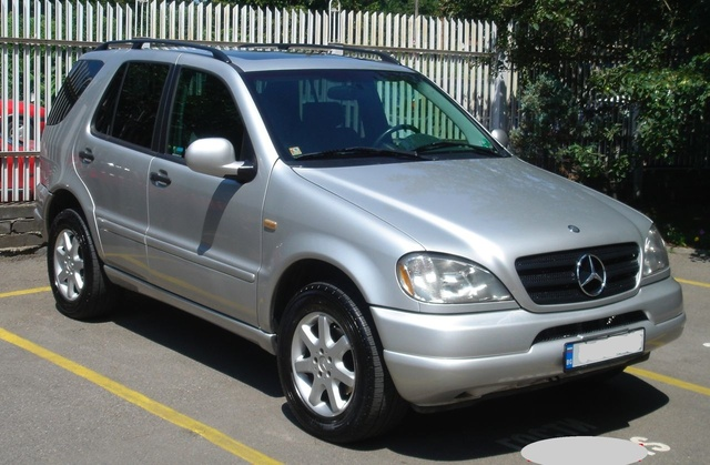 Image gallery mercedes ml 430 for Mercedes benz suv 2001