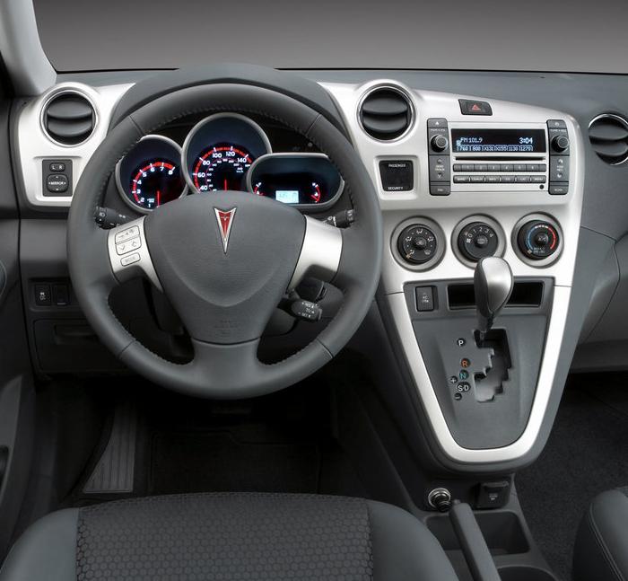 2006 Pontiac G6 Interior: 2010 Pontiac Vibe