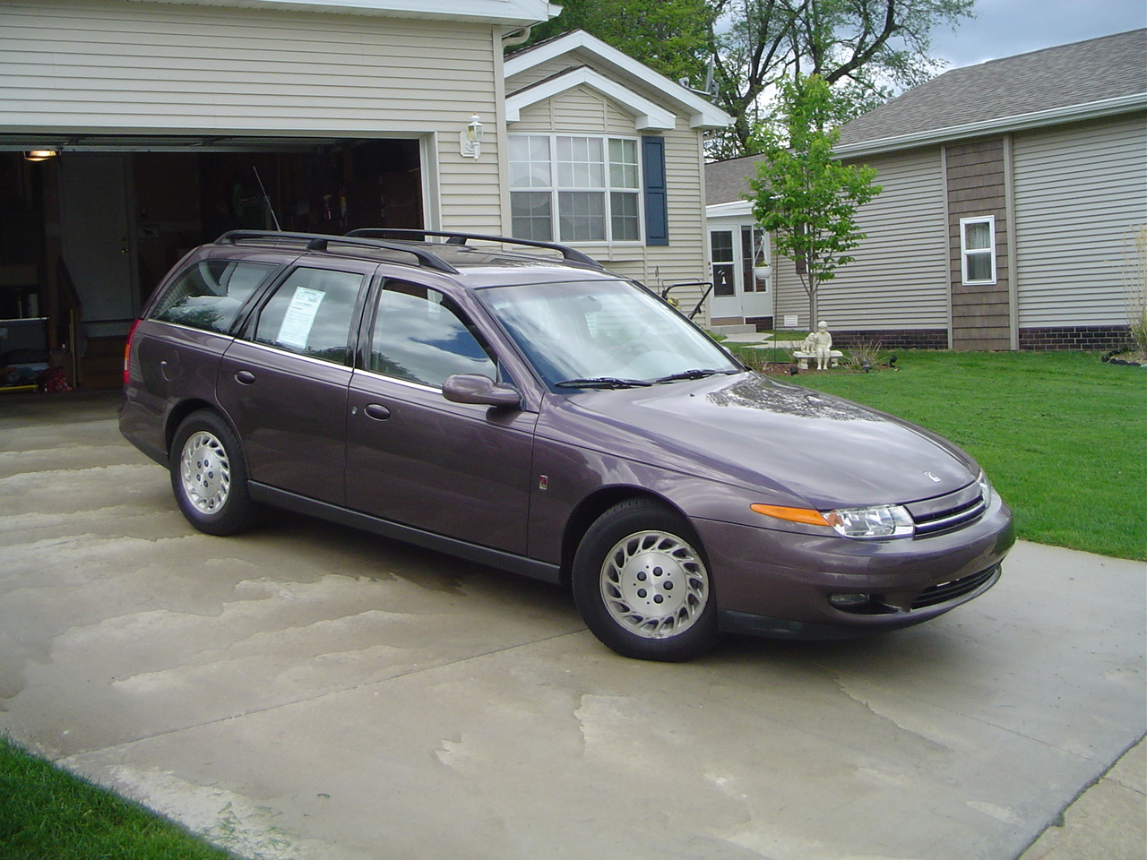 2000 Saturn S-Series 4 Dr SW2 Wagon picture