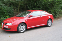 2005 Alfa Romeo GT Overview