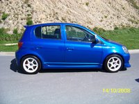 Picture of 2001 Toyota Vitz, exterior